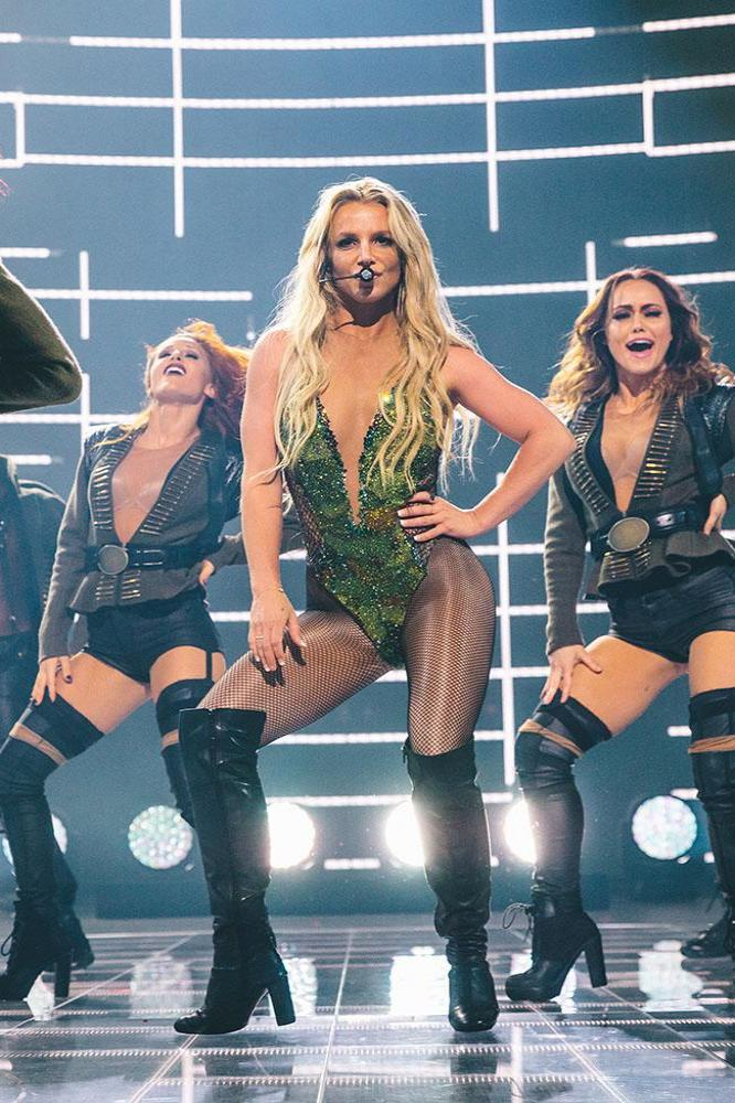 britney-spears-at-the-apple-music-festival-10-london-2016-63